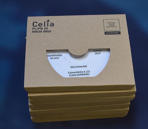 Pino CD-levyjä sinistä taustaa vasten